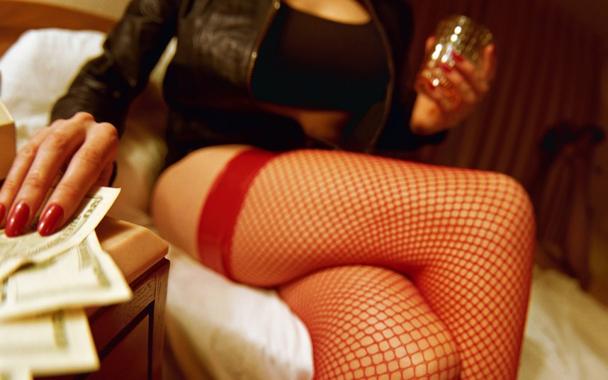 The Hookup Guide Dating Guides: Should I Join a Hookup Site or Hire a Prostitute